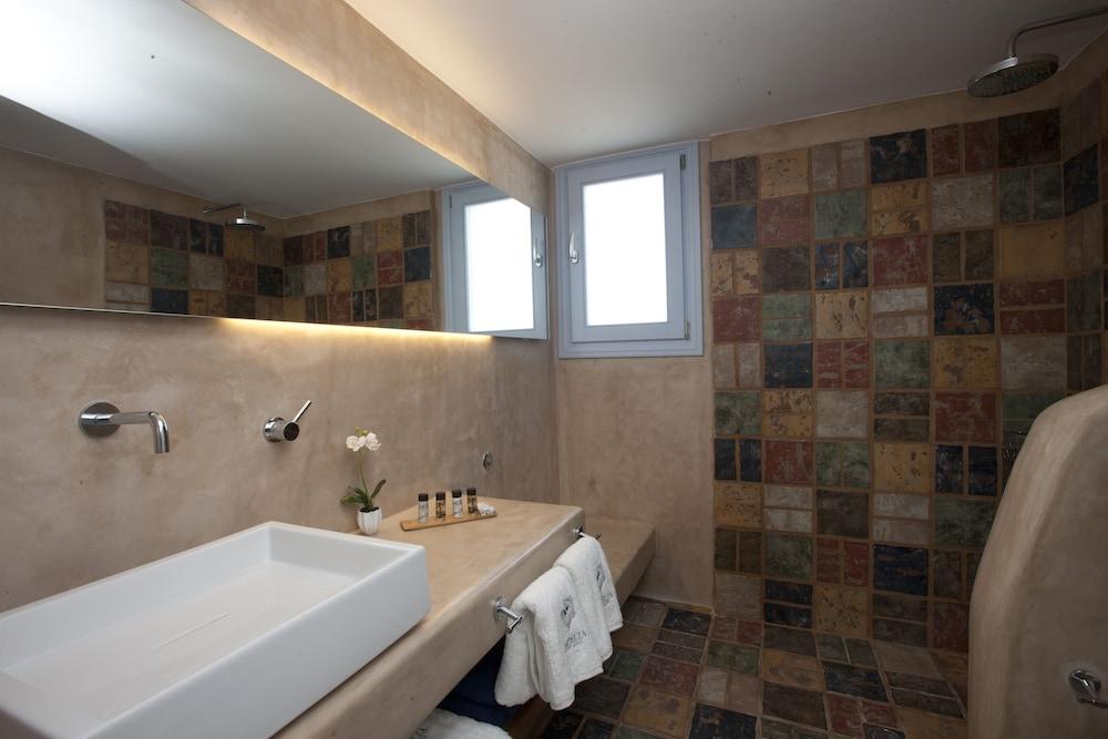 썬 아네모스 리조트(Sun Anemos Resort) Hotel Image 27 - Bathroom