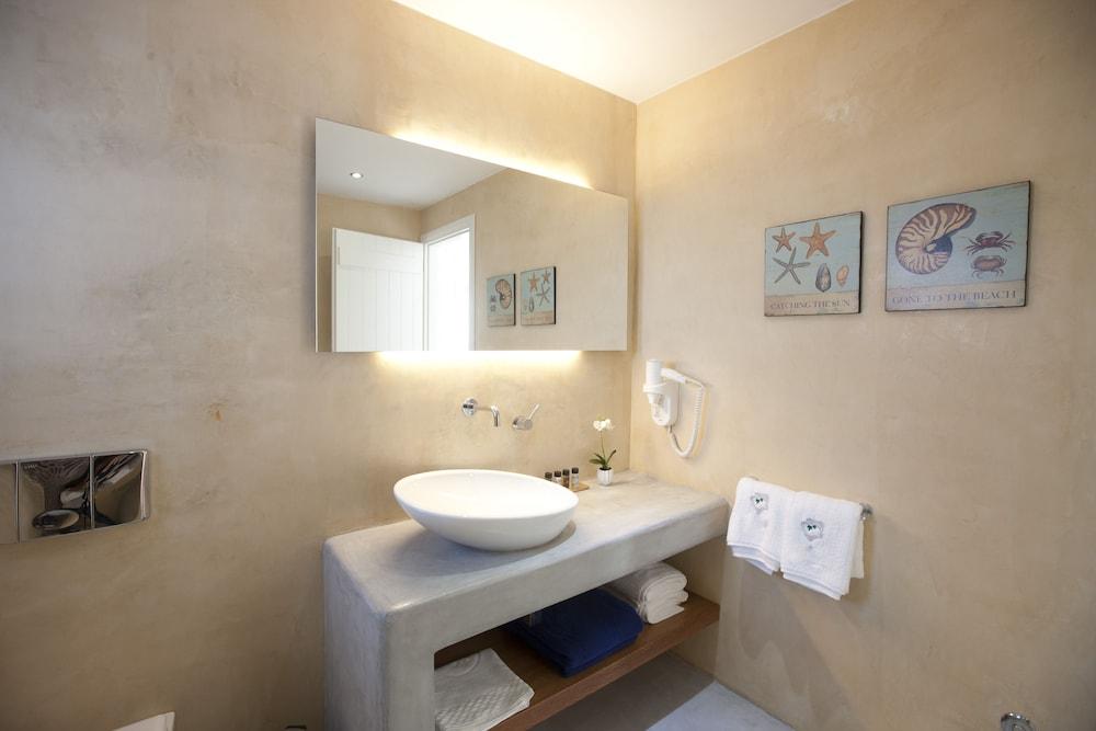 썬 아네모스 리조트(Sun Anemos Resort) Hotel Image 31 - Bathroom Sink