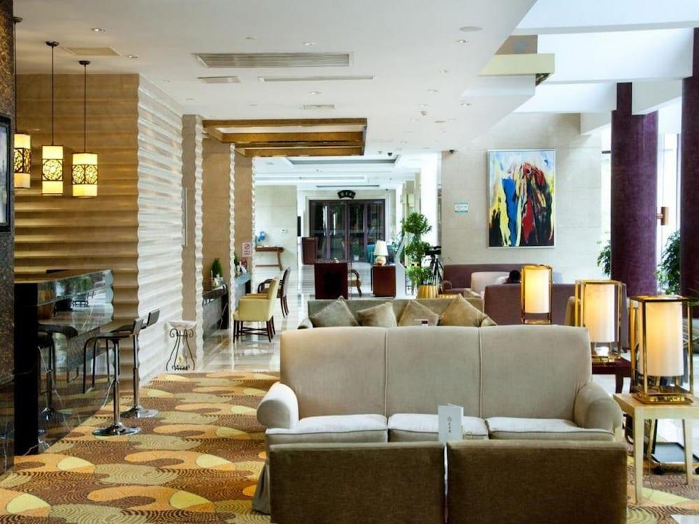 가든 호텔(Garden Hotel) Hotel Image 23 - Lobby Lounge