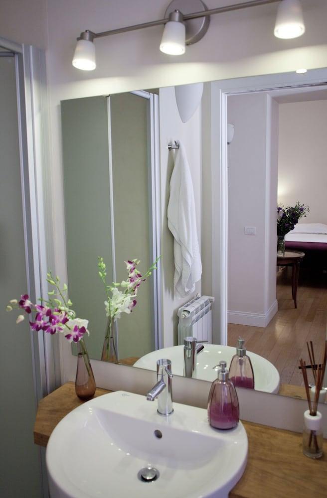 아마란토 로마노(Amaranto Romano) Hotel Image 46 - Bathroom