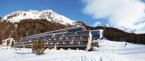 __{offers.Best_flights}__ Nira Alpina - Member of Design Hotels