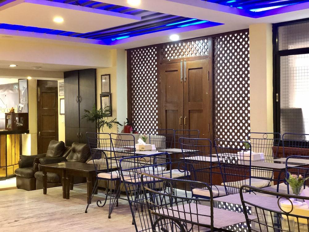 백야드 호텔(Backyard Hotel) Hotel Image 28 - Restaurant
