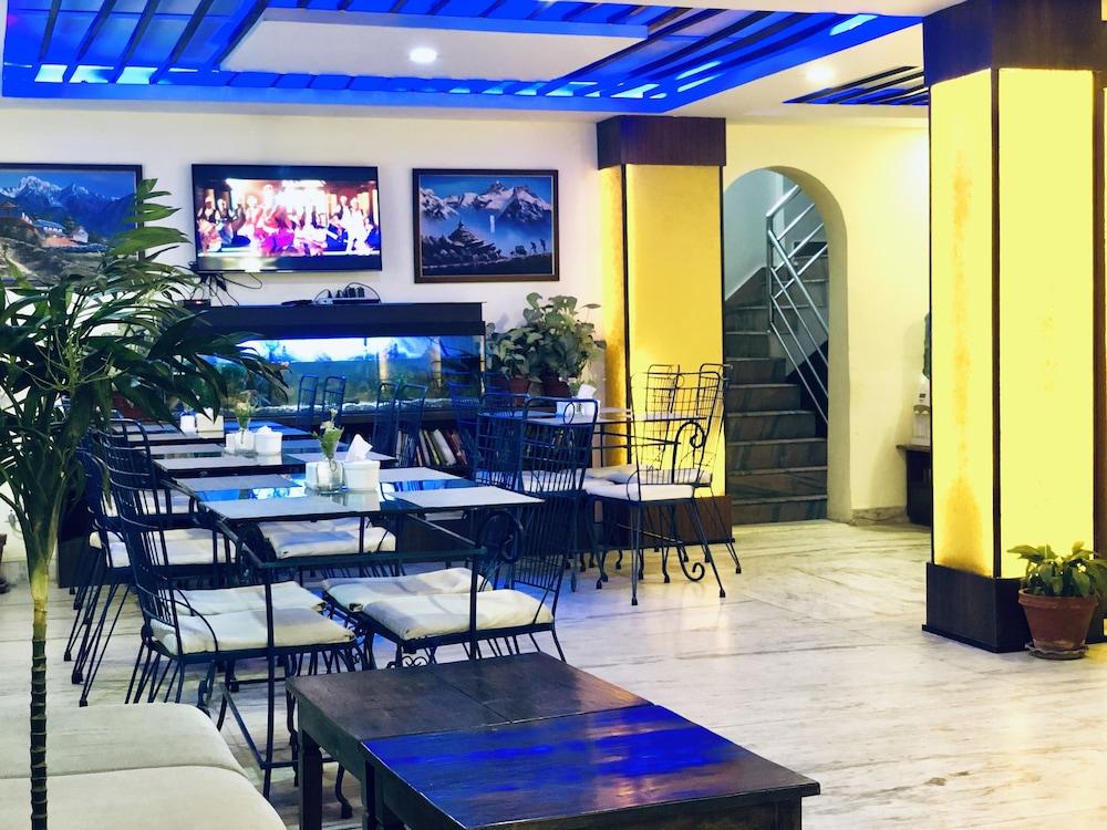 백야드 호텔(Backyard Hotel) Hotel Image 58 - Restaurant