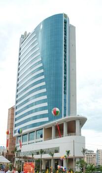 ムオン タン グランド ハ ロング ホテル