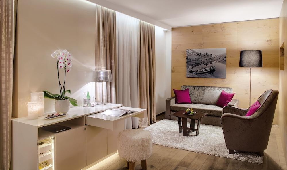 지아르디노 마운틴(Giardino Mountain) Hotel Image 13 - Living Area