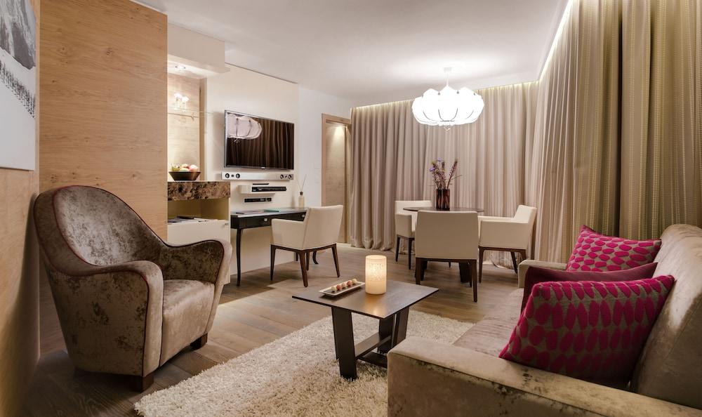 지아르디노 마운틴(Giardino Mountain) Hotel Image 12 - Living Area