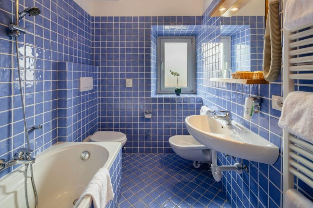 아퀼라(Aquila) Hotel Image 10 - Bathroom