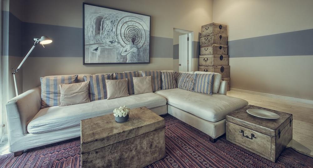 파라다이스 로드 틴터글 콜롬보(Paradise Road Tintagel Colombo) Hotel Image 23 - Living Area