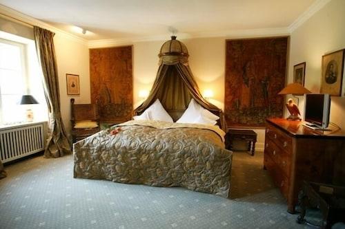 . Schloss Auel Hotel
