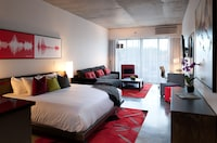 Premier Studio Suite, 1 King Bed with Sofa bed, Kitchenette (with living room & Balcony)