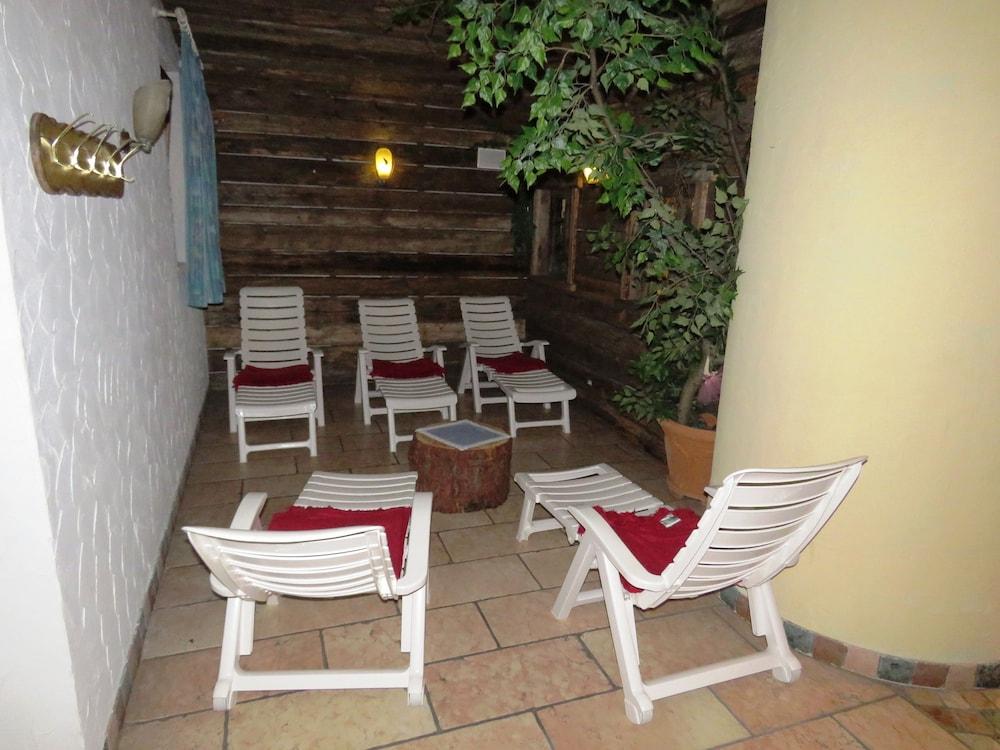 호텔 갈리(Hotel Galli) Hotel Image 22 - Terrace/Patio