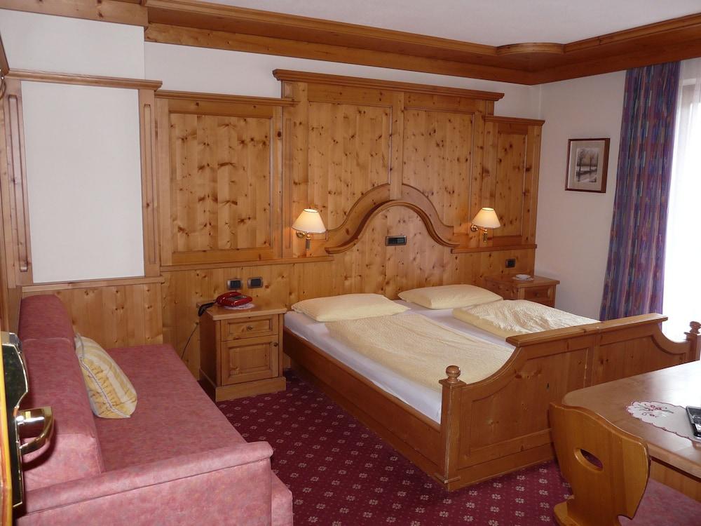 호텔 갈리(Hotel Galli) Hotel Image 18 - Guestroom