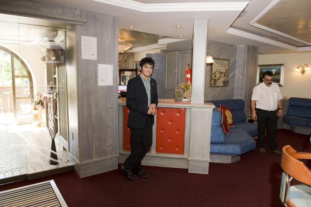 호텔 갈리(Hotel Galli) Hotel Image 72 - Hotel Interior