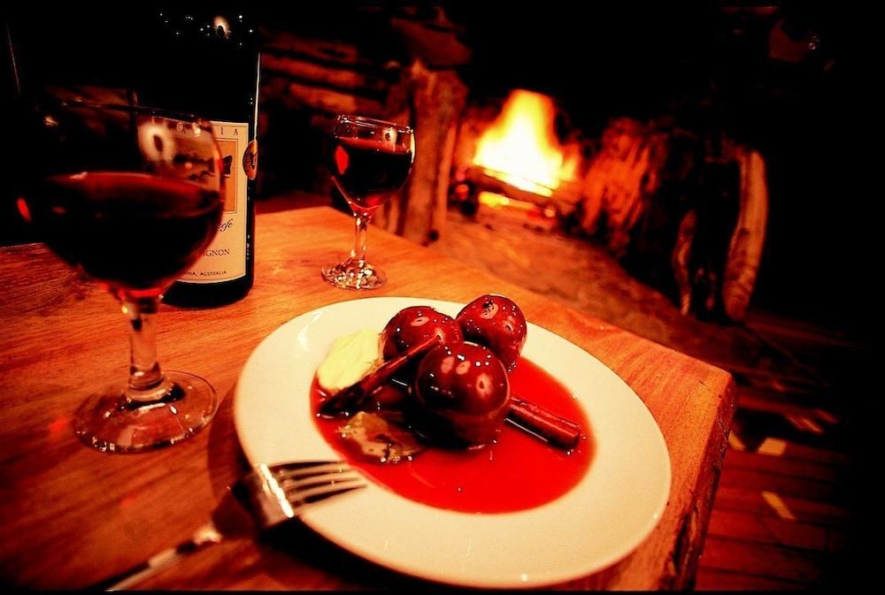 레몬 타임 와일더니스 리트리트(Lemonthyme Wilderness Retreat) Hotel Image 24 - Couples Dining