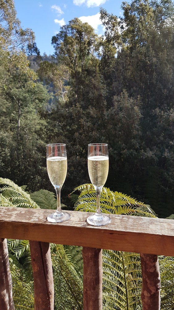 레몬 타임 와일더니스 리트리트(Lemonthyme Wilderness Retreat) Hotel Image 9 - In-Room Dining