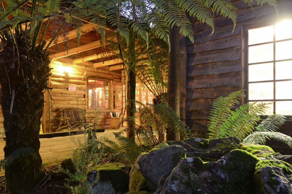 레몬 타임 와일더니스 리트리트(Lemonthyme Wilderness Retreat) Hotel Image 31 - Hotel Front - Evening/Night