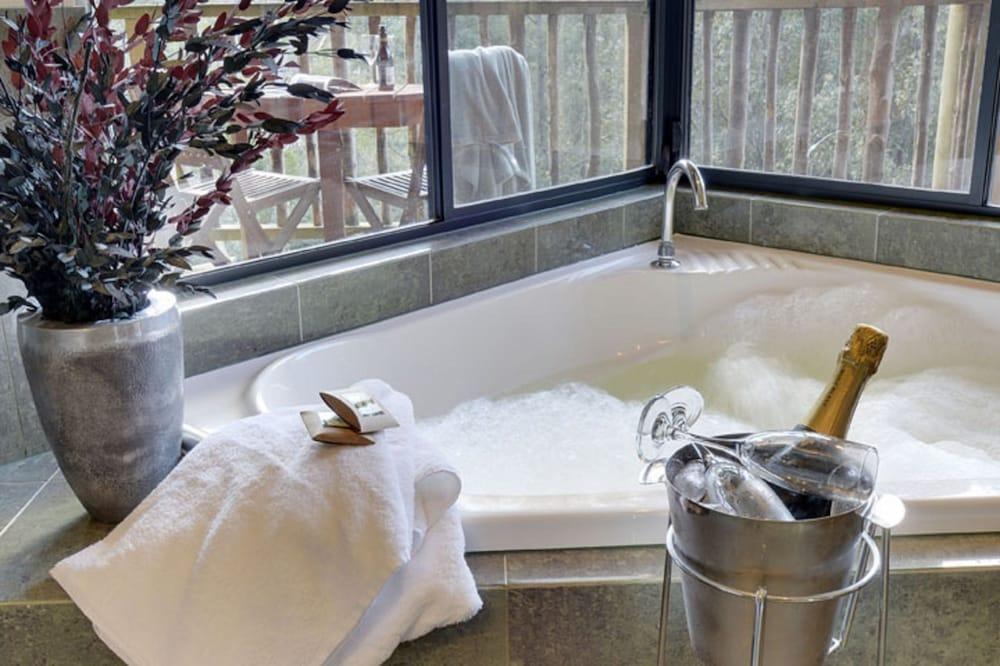 레몬 타임 와일더니스 리트리트(Lemonthyme Wilderness Retreat) Hotel Image 18 - Jetted Tub