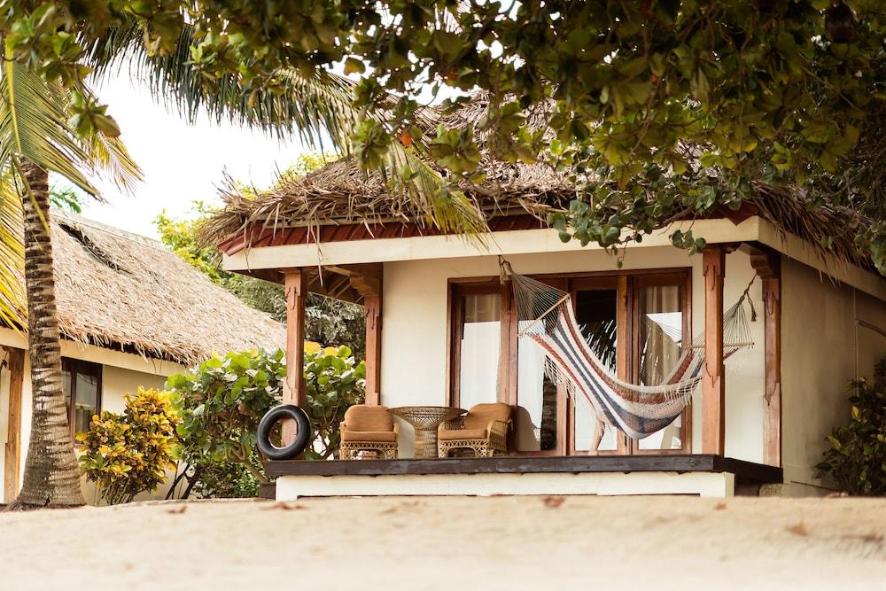 아몬드 비치 리조트 앳 자구아르 리프(Almond Beach Resort at Jaguar Reef) Hotel Image 54 - Guestroom