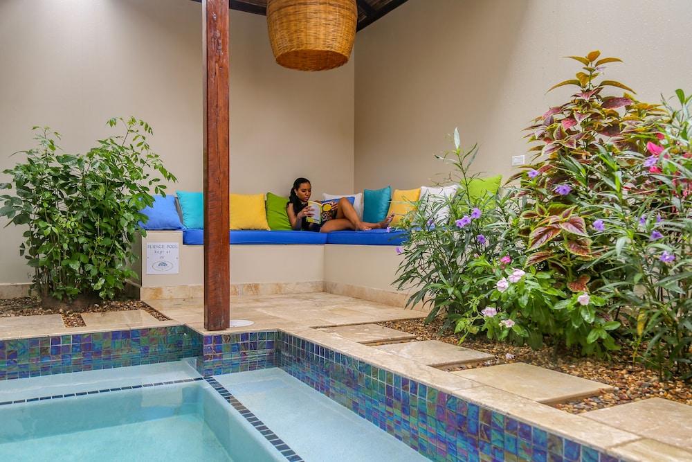 아몬드 비치 리조트 앳 자구아르 리프(Almond Beach Resort at Jaguar Reef) Hotel Image 35 - Private Pool