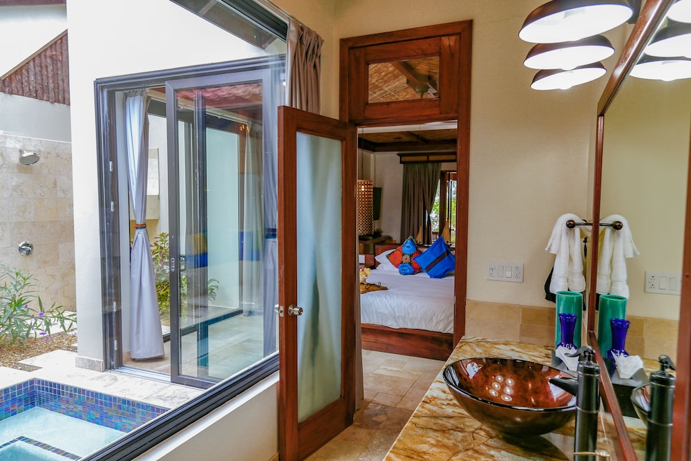 아몬드 비치 리조트 앳 자구아르 리프(Almond Beach Resort at Jaguar Reef) Hotel Image 40 - Bathroom