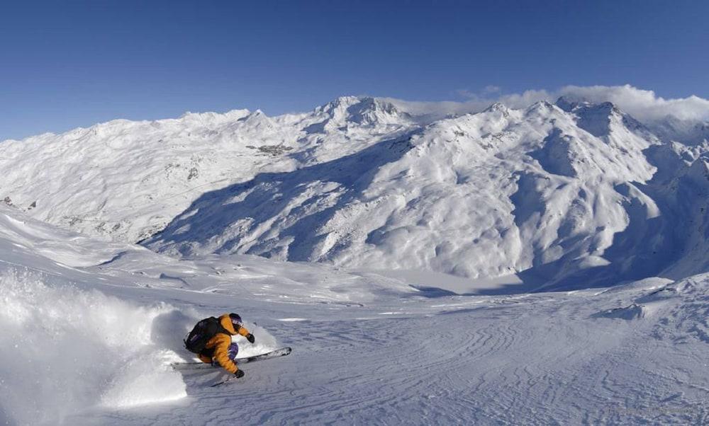 레지던스 르 샬렛 두 몽 발론(Residence Le Chalet du Mont Vallon) Hotel Image 41 - Skiing