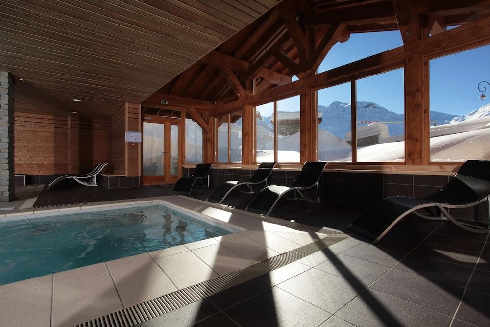 레지던스 르 샬렛 두 몽 발론(Residence Le Chalet du Mont Vallon) Hotel Image 30 - Indoor Pool