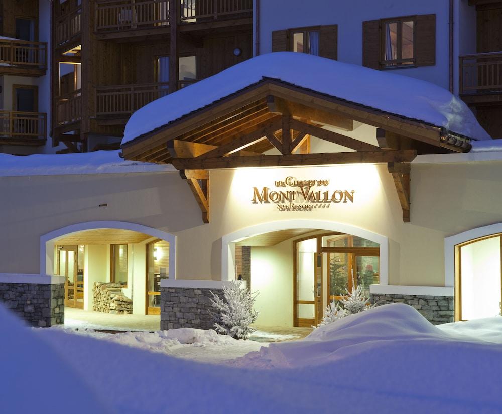 레지던스 르 샬렛 두 몽 발론(Residence Le Chalet du Mont Vallon) Hotel Image 57 - Hotel Front - Evening/Night