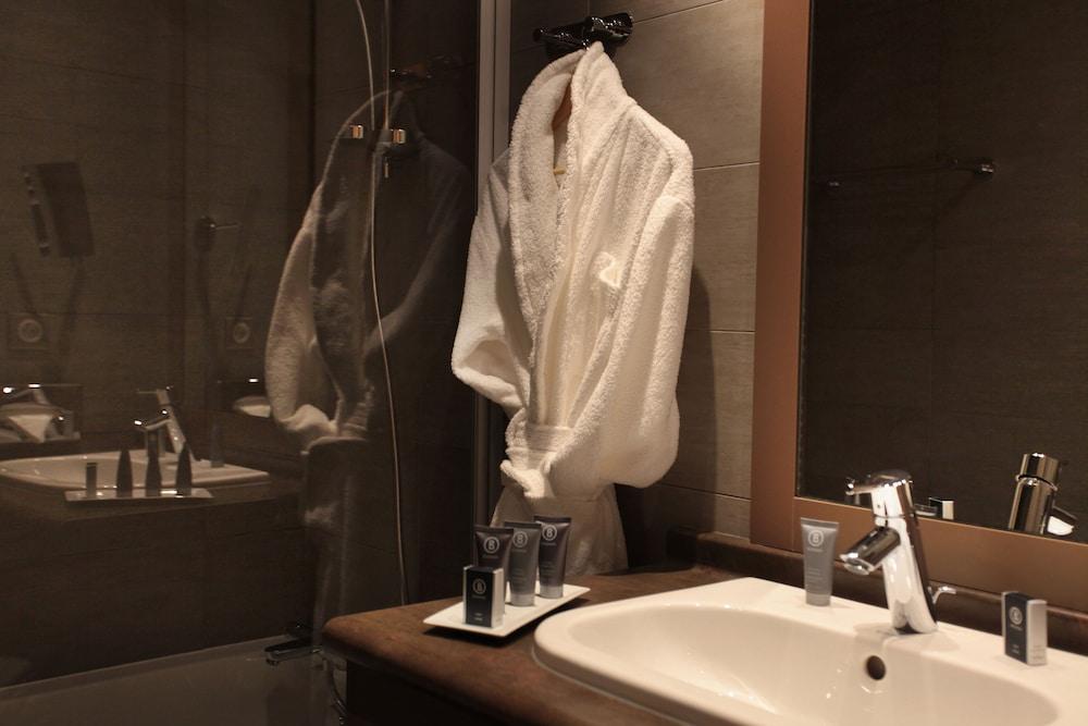 레지던스 르 샬렛 두 몽 발론(Residence Le Chalet du Mont Vallon) Hotel Image 27 - Bathroom Shower