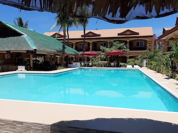 Slam's Garden Resort Malapascua Outdoor Pool
