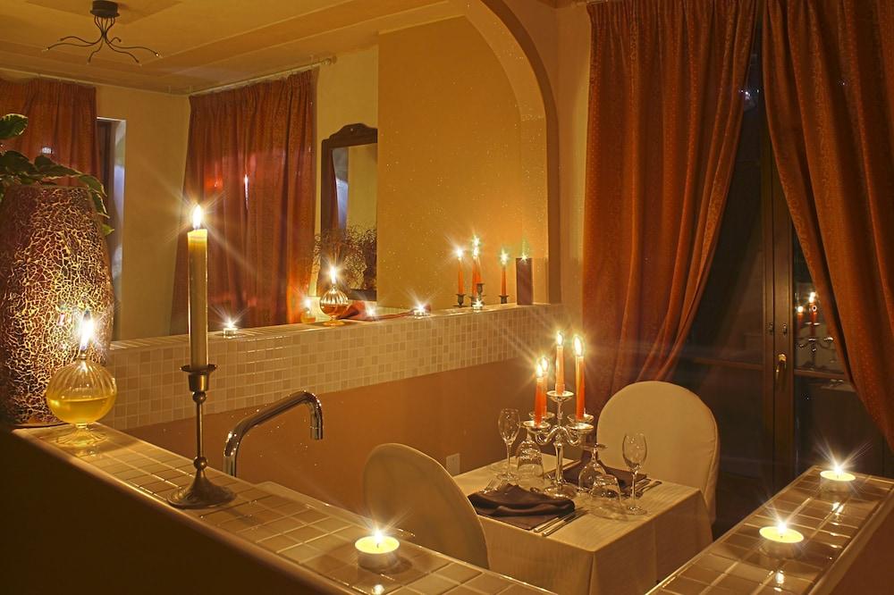 를레 일 카살레(Relais Il Casale) Hotel Image 42 - Restaurant
