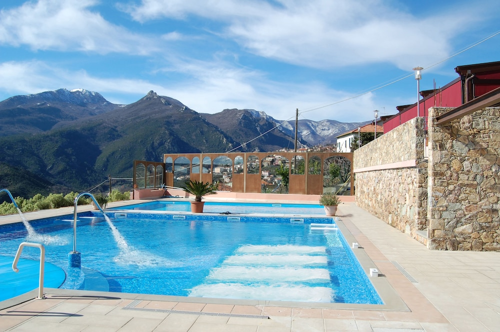 를레 일 카살레(Relais Il Casale) Hotel Image 32 - Rooftop Pool
