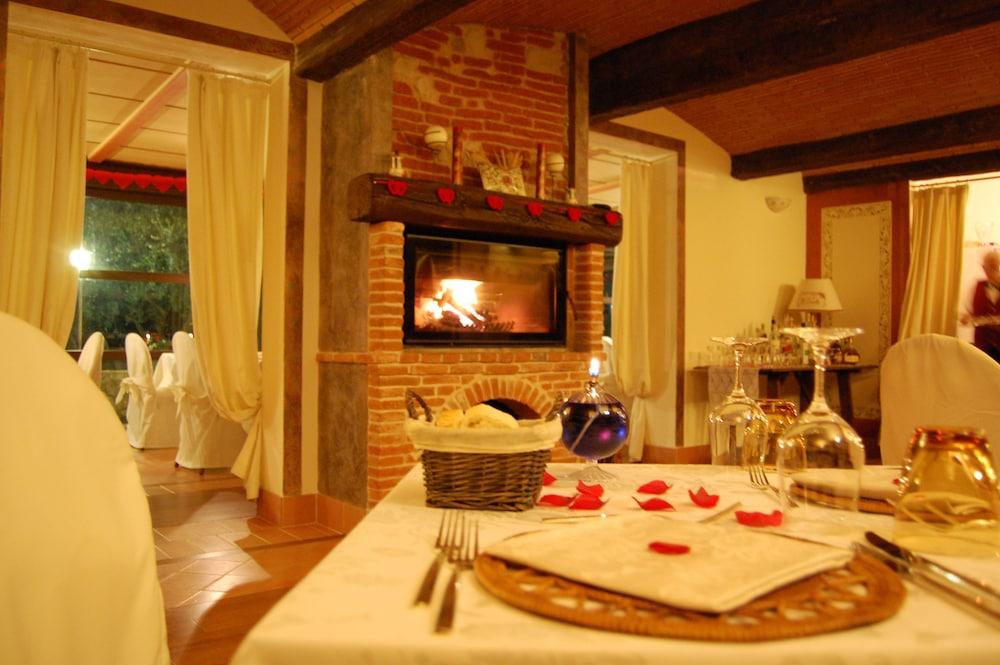 를레 일 카살레(Relais Il Casale) Hotel Image 43 - Restaurant