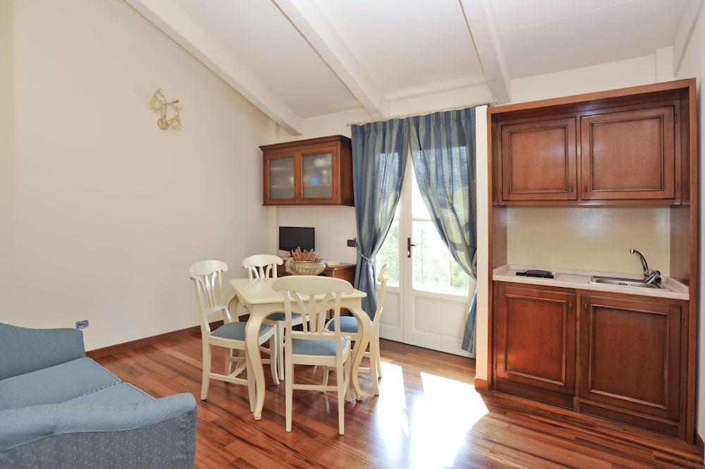 를레 일 카살레(Relais Il Casale) Hotel Image 14 - In-Room Kitchen