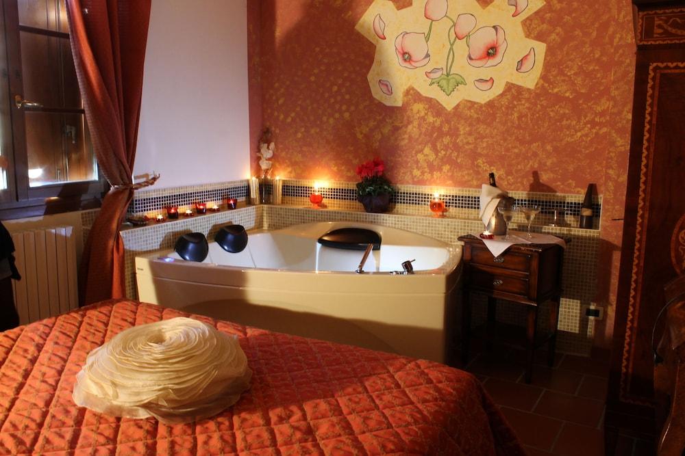 를레 일 카살레(Relais Il Casale) Hotel Image 8 - Guestroom