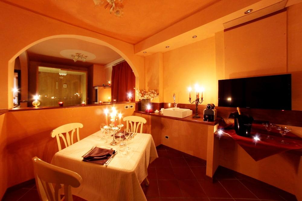 를레 일 카살레(Relais Il Casale) Hotel Image 19 - Guestroom View