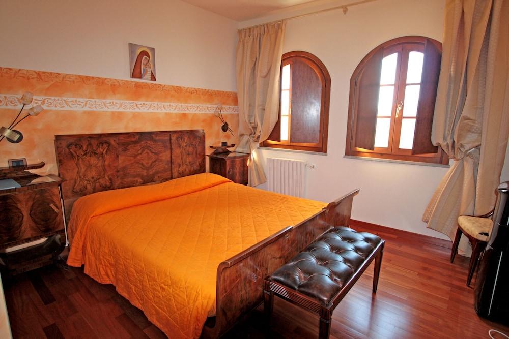 를레 일 카살레(Relais Il Casale) Hotel Image 9 - Guestroom
