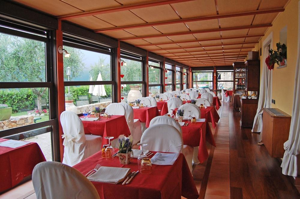 를레 일 카살레(Relais Il Casale) Hotel Image 46 - Restaurant