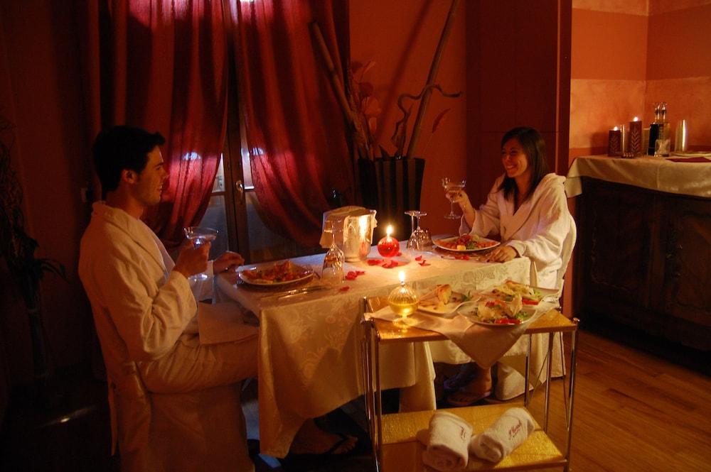 를레 일 카살레(Relais Il Casale) Hotel Image 50 - Food Court