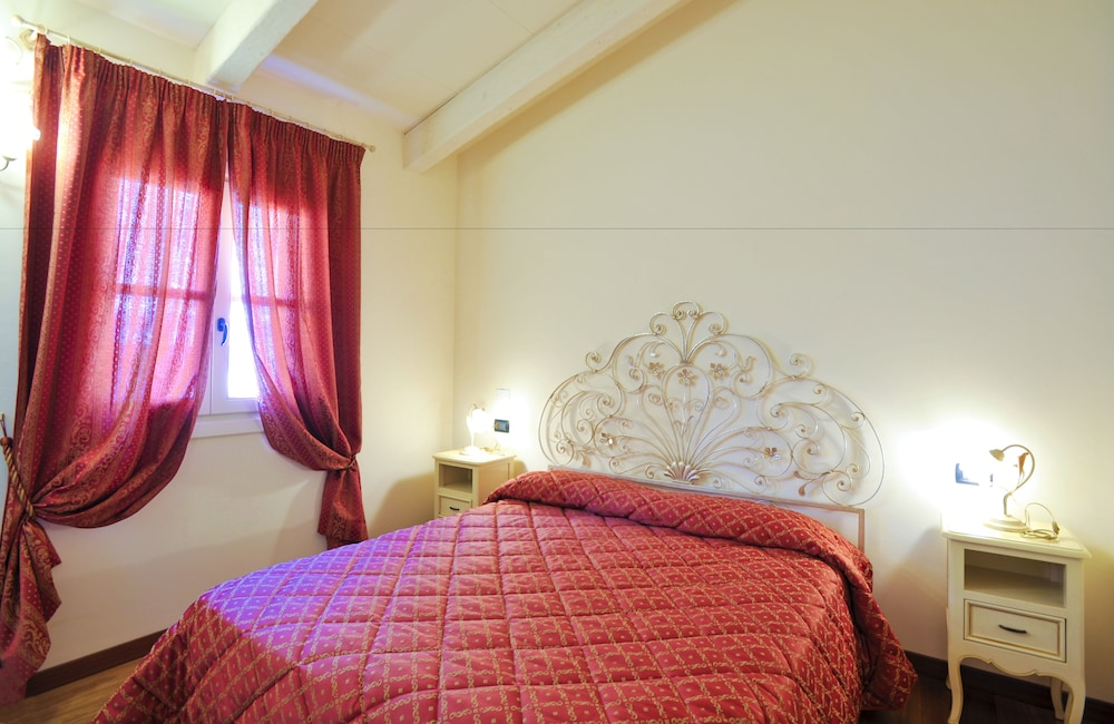 를레 일 카살레(Relais Il Casale) Hotel Image 4 - Guestroom