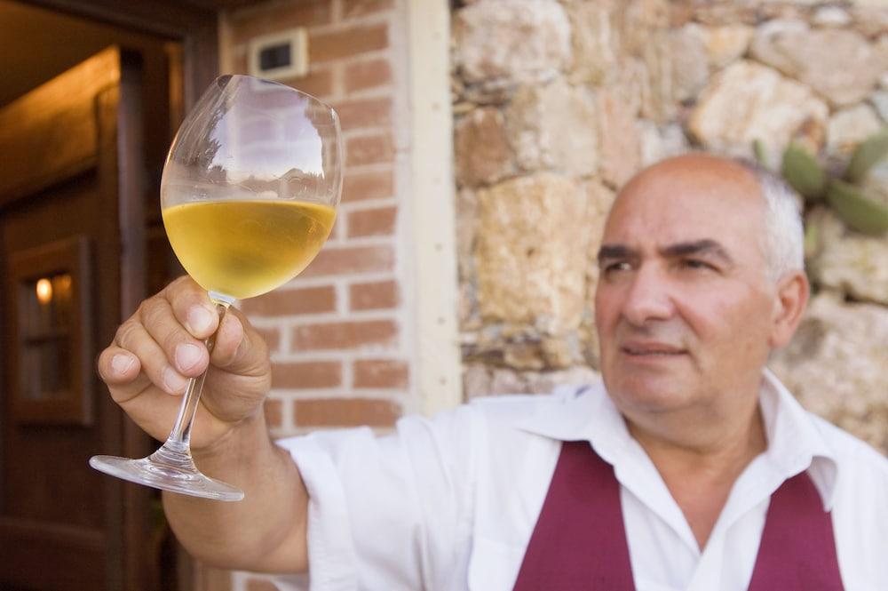 를레 일 카살레(Relais Il Casale) Hotel Image 53 - Hotel Bar