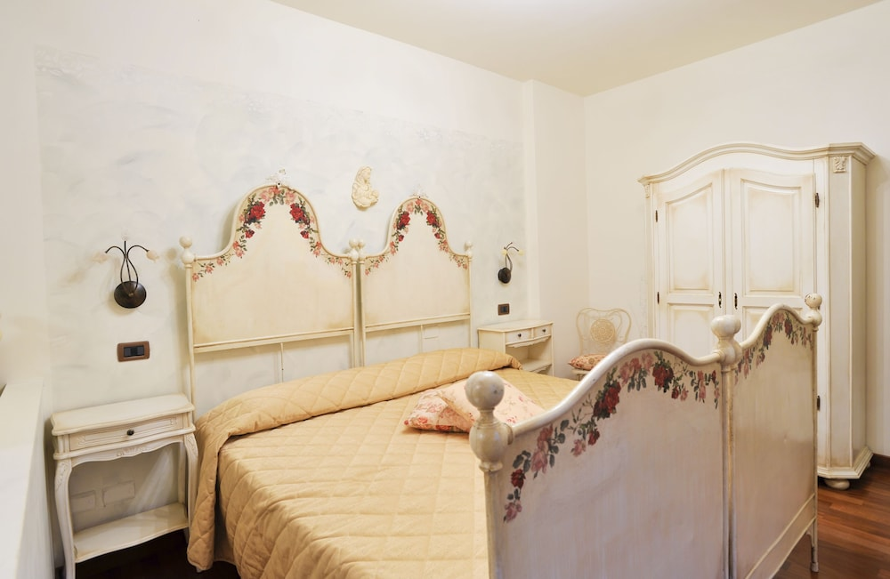 를레 일 카살레(Relais Il Casale) Hotel Image 5 - Guestroom
