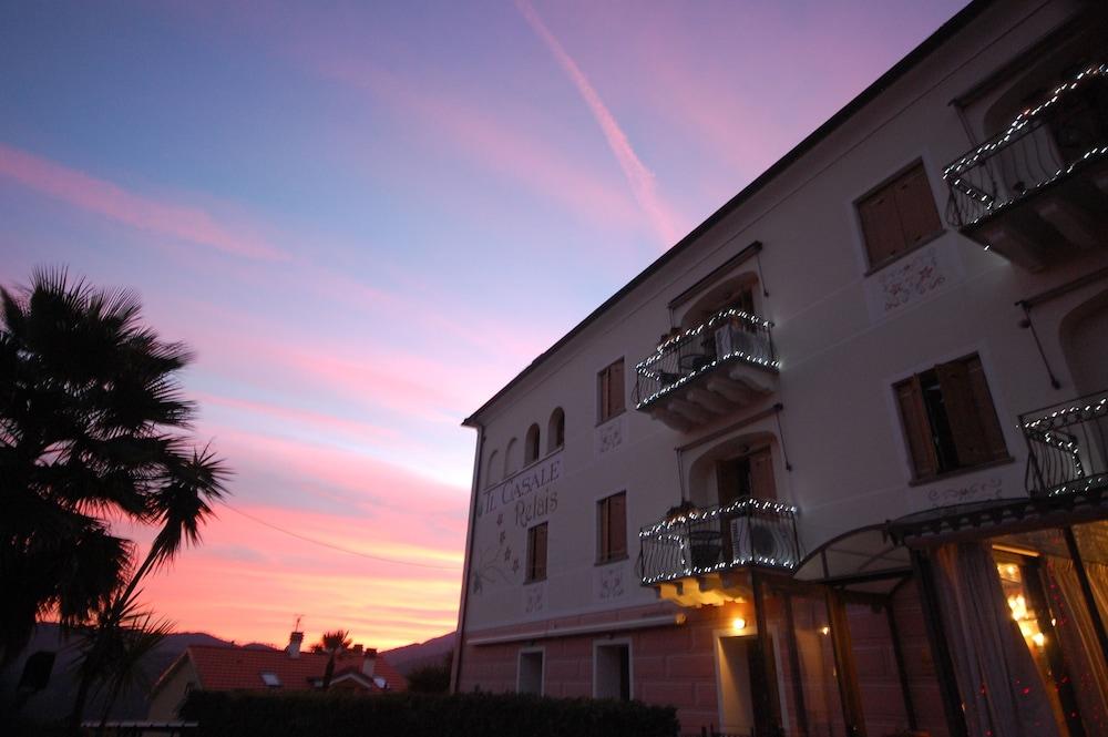 를레 일 카살레(Relais Il Casale) Hotel Image 60 - Hotel Front - Evening/Night