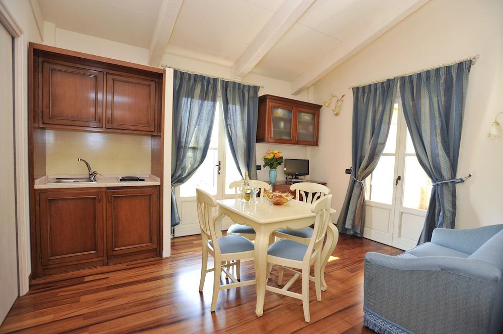 를레 일 카살레(Relais Il Casale) Hotel Image 15 - In-Room Kitchen