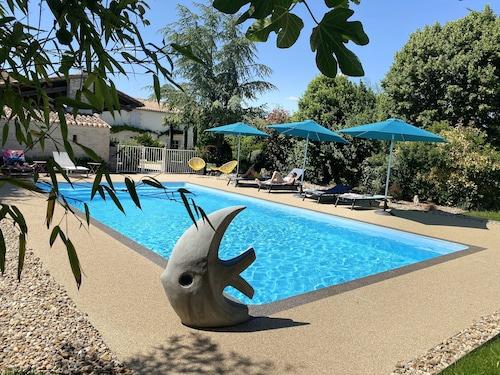 . La Rochelle Lodge