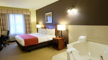 Suite, 1 King Bed, Accessible, Jetted Tub (NonSmoking)
