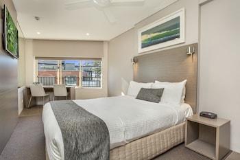 Standard Room, 1 Queen Bed, Sea View