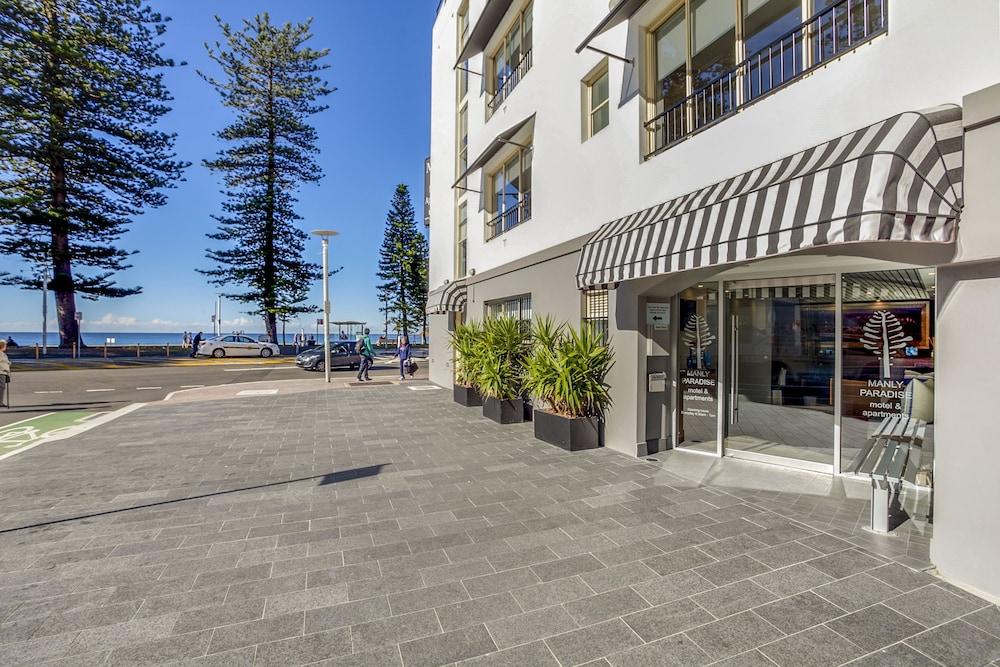 맨리 파라다이스 모텔 앤드 아파트먼츠(Manly Paradise Motel & Apartments) Hotel Image 34 - Hotel Front