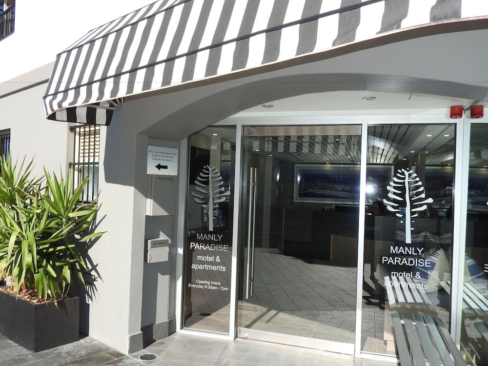 맨리 파라다이스 모텔 앤드 아파트먼츠(Manly Paradise Motel & Apartments) Hotel Image 36 - Hotel Entrance