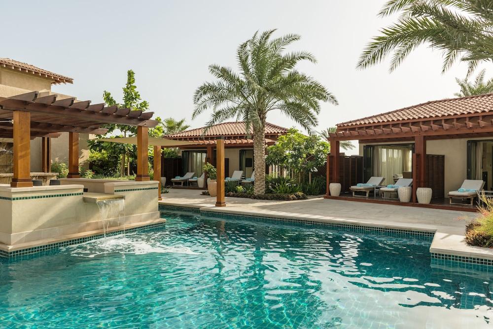 더 세인트 레기스 사디얏 아일랜드 리조트, 아부 다비(The St. Regis Saadiyat Island Resort, Abu Dhabi) Hotel Image 133 - Poolside Bar