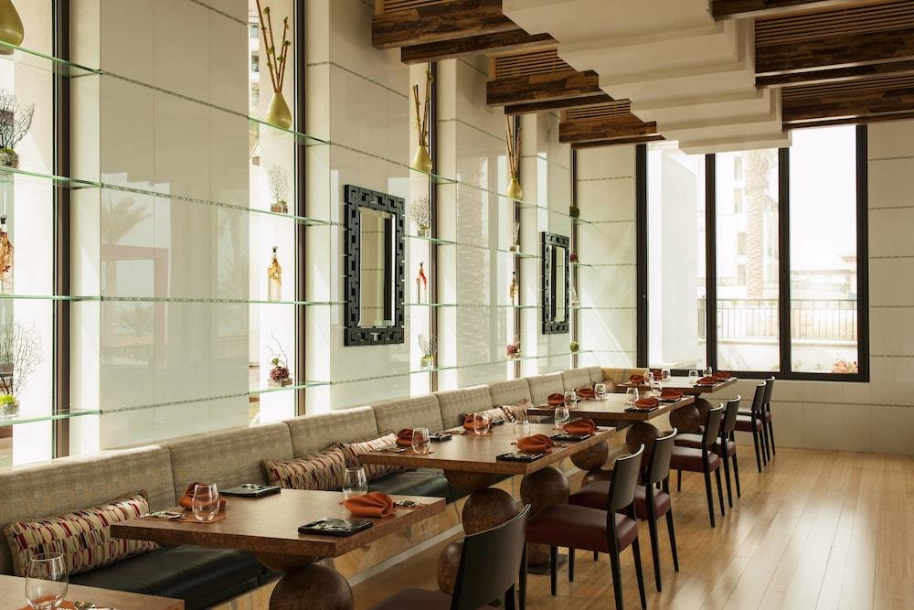 더 세인트 레기스 사디얏 아일랜드 리조트, 아부 다비(The St. Regis Saadiyat Island Resort, Abu Dhabi) Hotel Image 131 - Breakfast buffet